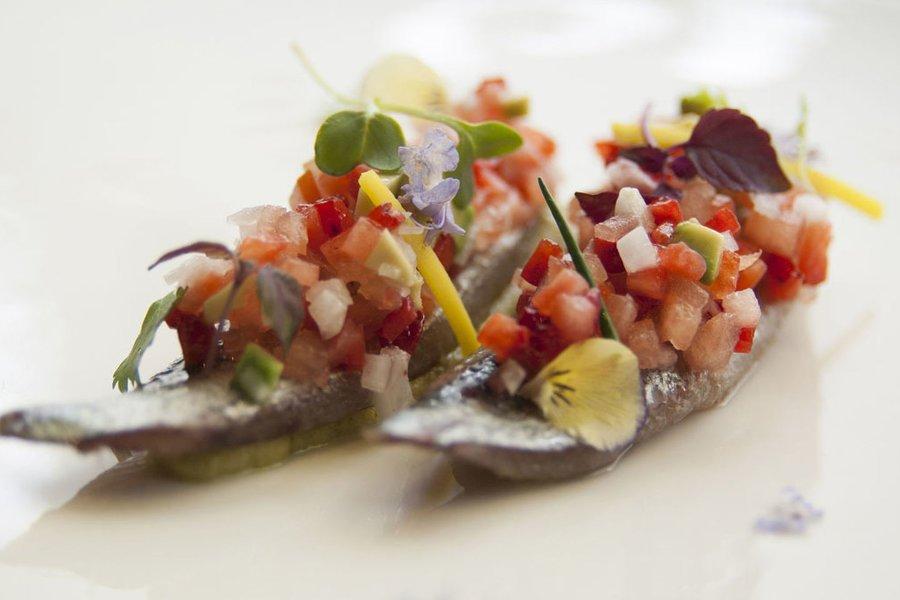 Ensalada Ecológica de sémola de trigo con sardina ahumada